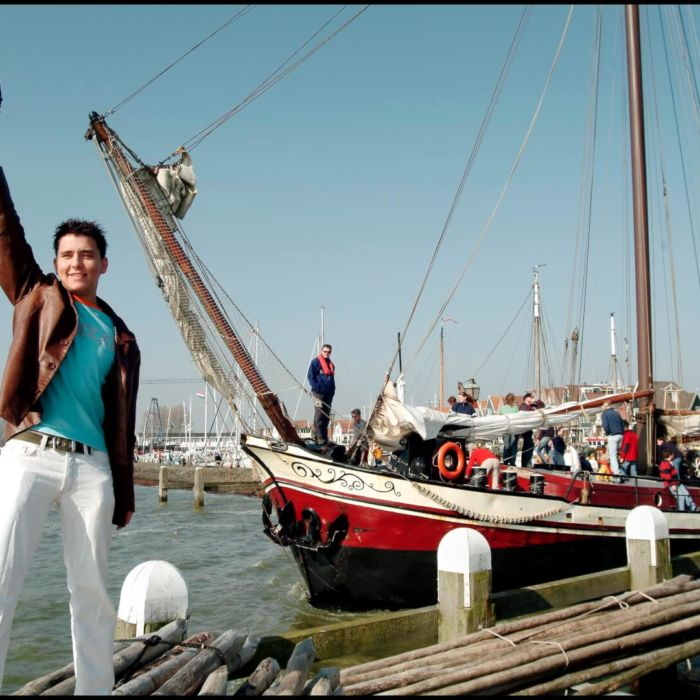 Jan Smit start de Pieperrace in Volendam
