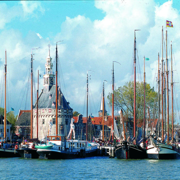 The port of Hoorn, home of the Bontekoeraace