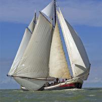 Johanna Engelina full rig with extra sails